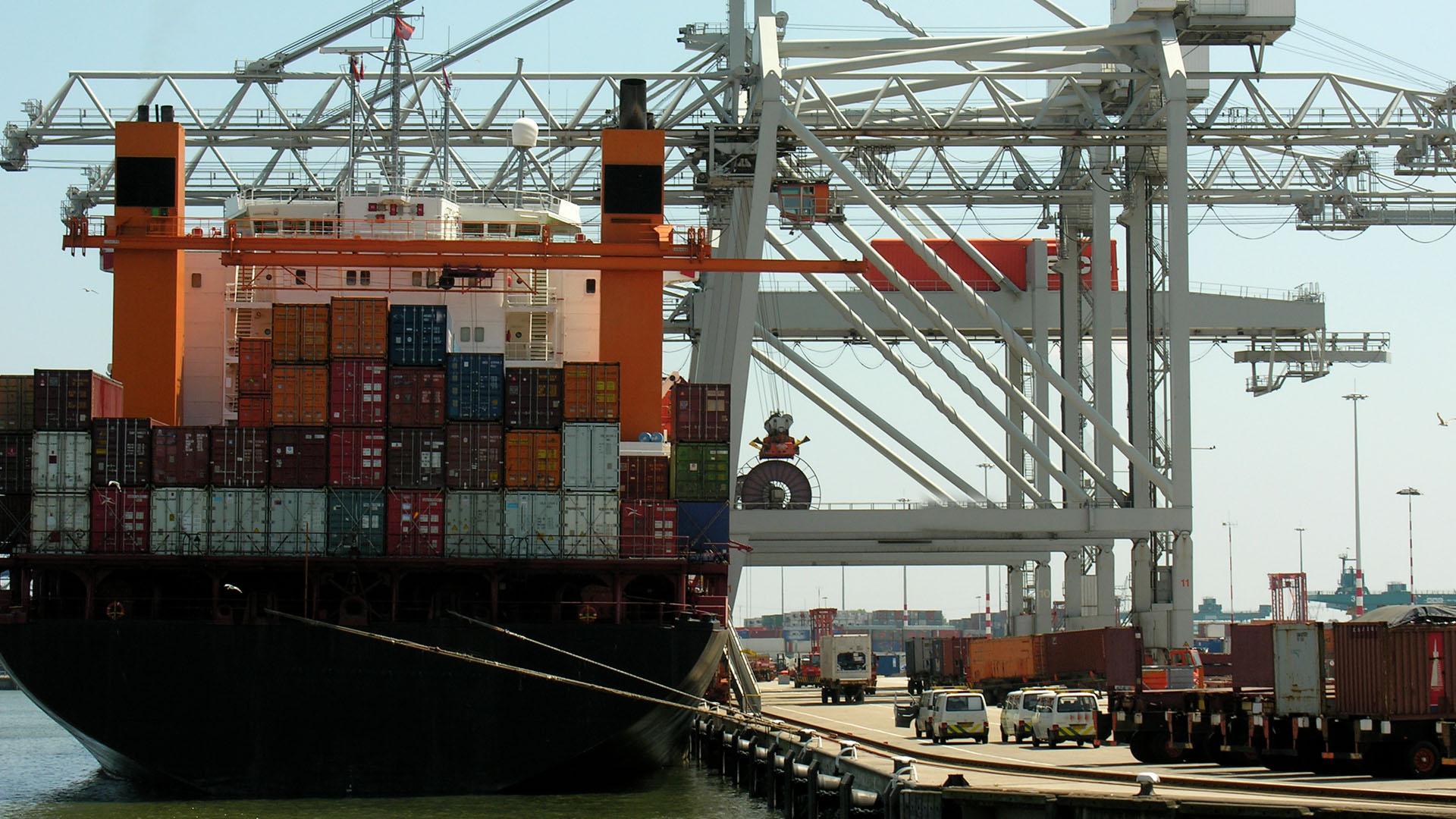 UWL - The Asset-Based Freight Forwarder - NVOCC - Brazil