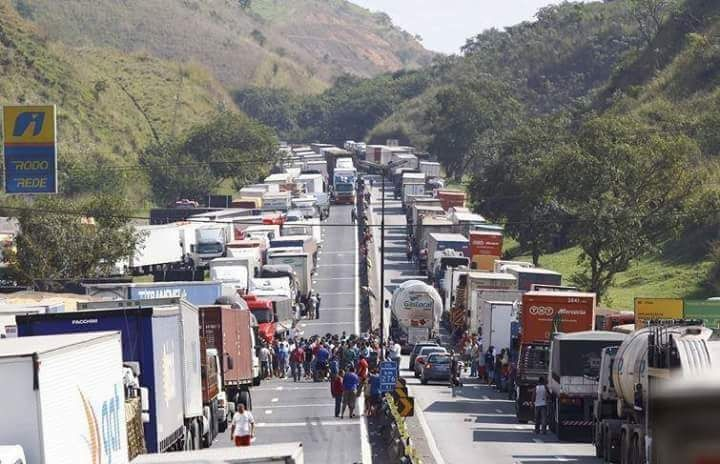 Brazil Truckers Strike blocks highway. Photo Credit: Rob Ward/JOC