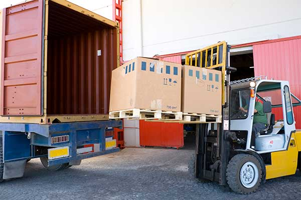 UWL offers transloading services for ocean freight shipments through our partner network of warehouses